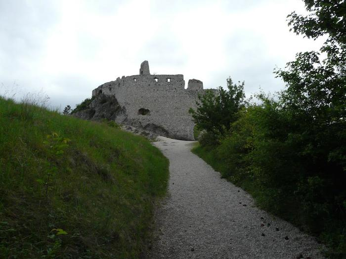 cachticky-hrad-02